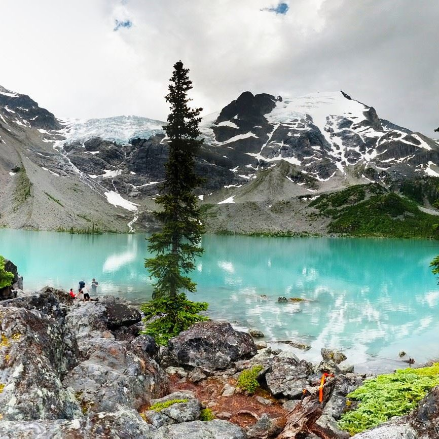 joffre lakes, hikes near vancouver, best hikes near vancouver, best hikes in bc, amazing hikes in british columbia, top canadian hikes, hiking trails in lower mainland, epic hikes, outdoors, explore, pnw